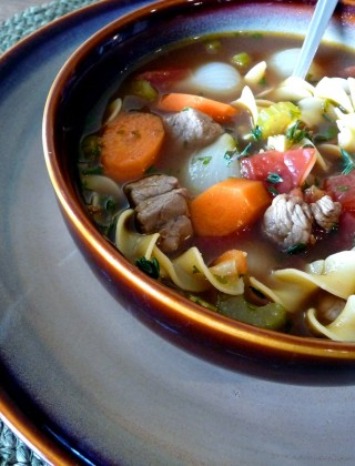 vegetable beef and noodle soup