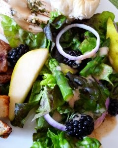 salad with pear, blackberries, and asparagus