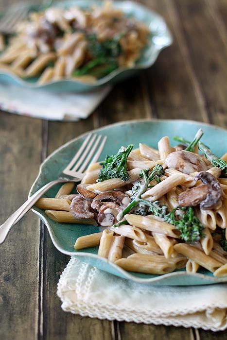 Pasta Alfredo with Broccoli and Mushrooms