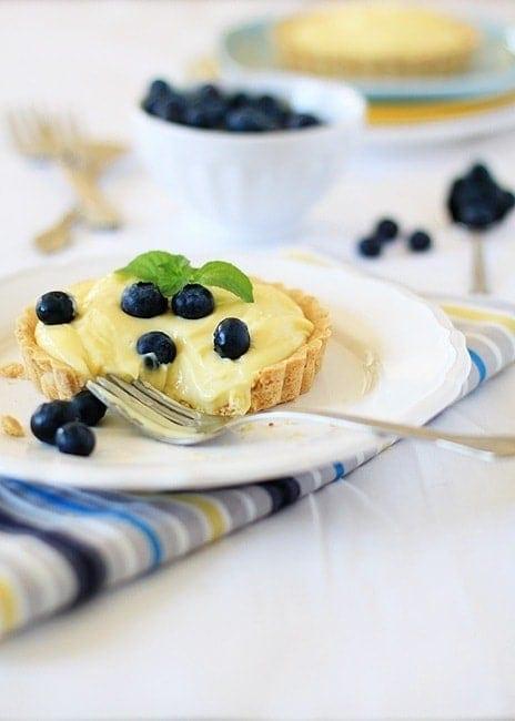 almond custard tart
