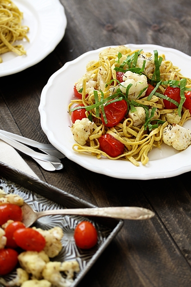 cauliflower and tomatoes with pasta