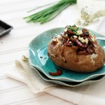 baked potatoes with balsamic mushrooms and blue cheese
