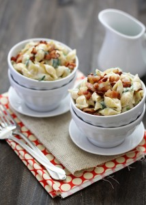 shells and cheese with fontina and bacon