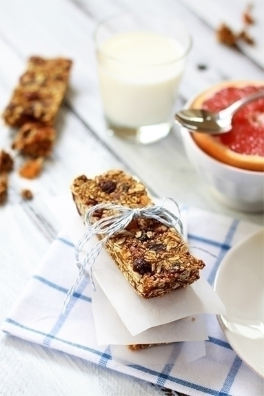 gingerbread granola bars