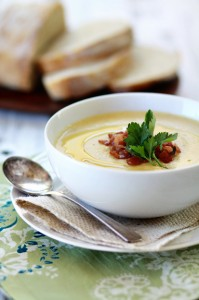 roasted garlic and cauliflower soup