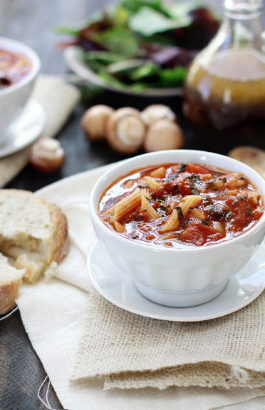 pasta tomato spinach soup