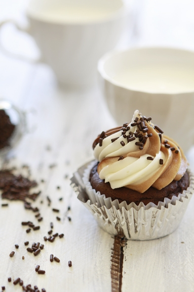 nutella cupcake with nutella cream cheese frosting