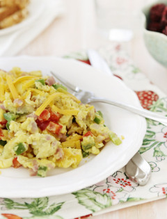 egg scramble with ham and pepper