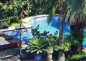 hotel california pool