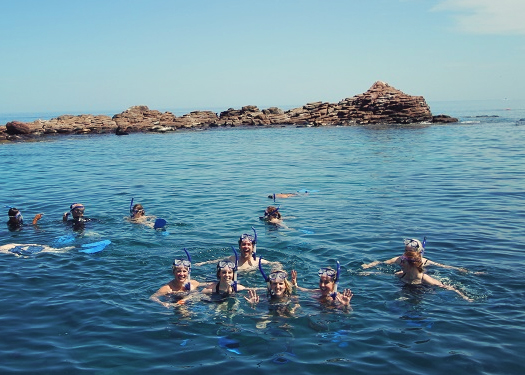 photos of snorkeling in isla espiritu santo