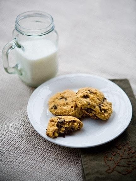 dark chocolate chip pumpkin cookies