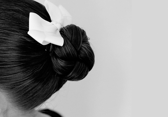 5 easy steps to the perfect ballerina bun.