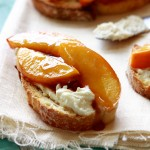 roastedpeachgoatcheesecrostini-feature