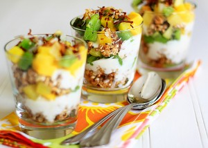 lunchbox fruit and yogurt parfait ideas
