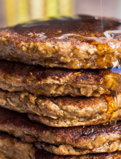 Healthy Applesauce & Oatmeal Pancakes-featured image
