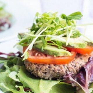 Black Bean Quinoa Burgers | Good Life Eats | #glutenfree