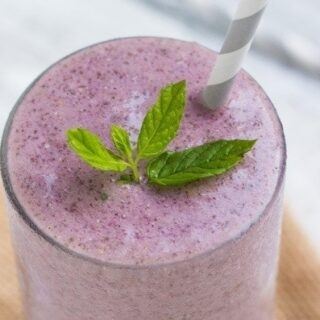 Minty Raspberry-Banana Smoothie {vegan} from GoodLifeEats & Queen of Quinoa