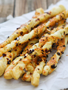 parmesan rosemary cheese straws