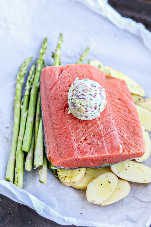 Salmon en Papillote with Asparagus