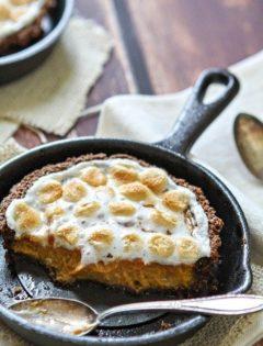 Mini Sweet Potato Tarts with Gingersnap Pecan Crust