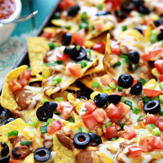 Ultimate Nachos Recipe for Super Bowl