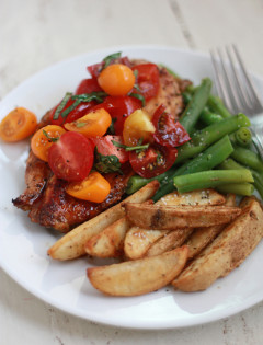 Basil & Balsamic Bruschetta Chicken (GF) // Good Life Eats