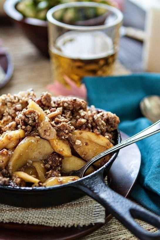 Browned Butter Bourbon Apple Crisp - Hassle-Free Thanksgiving Tips -Browned Butter Bourbon Apple Crisp is a delicious, easy dessert recipe for Thanksgiving.