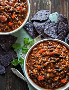 Pumpkin Black Bean Turkey Chili + Tips on How NOT to Make Chili