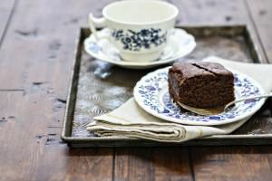 Easy Chocolate Gingerbread Cake Recipe www.goodlifeeats.com