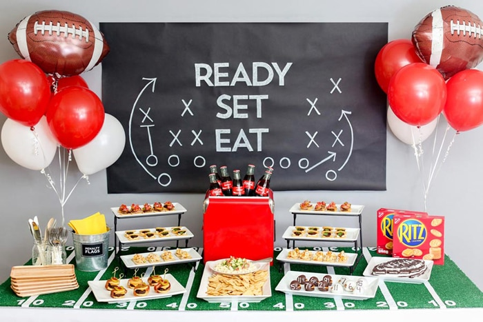 How to Throw a Touchdown of a Game Day Party