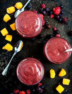 Berry Mango Kale Smoothie