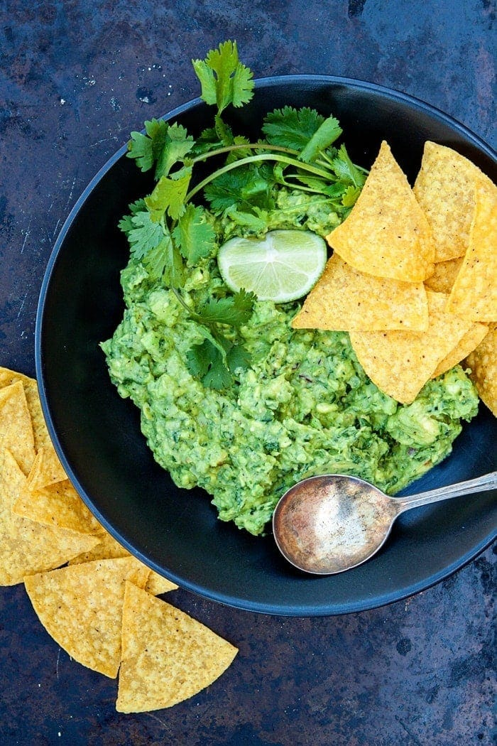 5 Minute Basic Guacamole Recipe