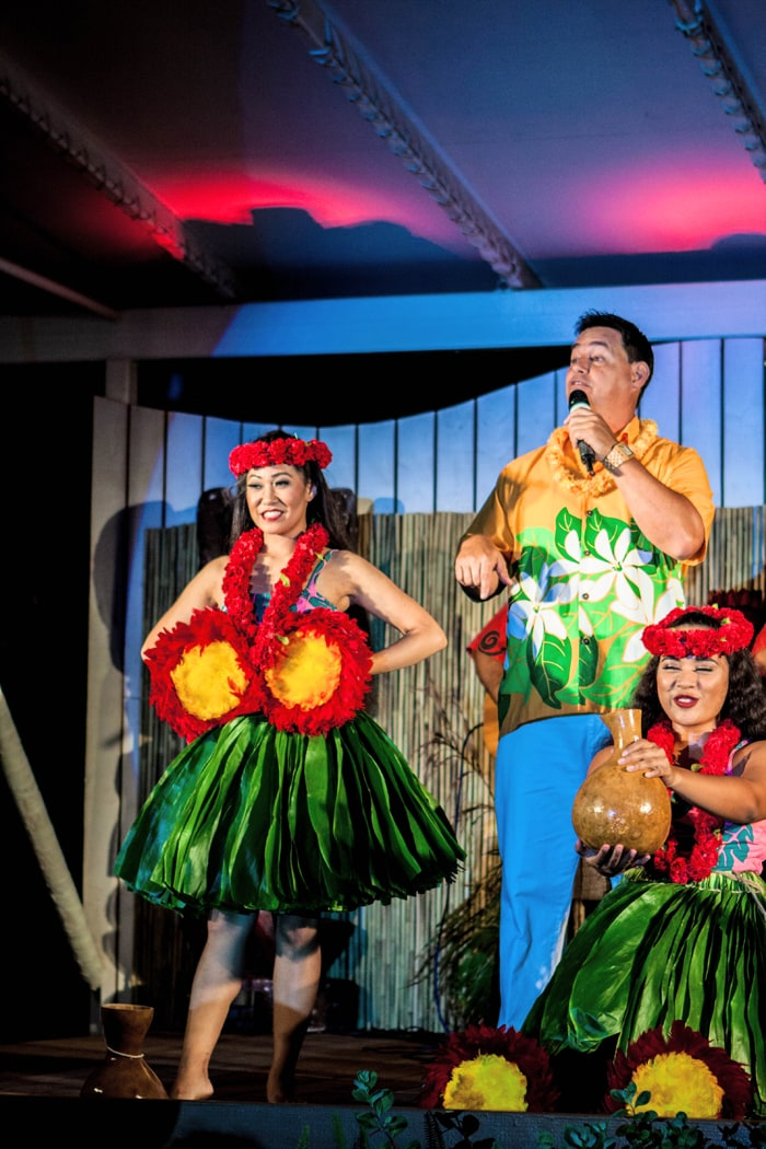 Review of Diamond Head Beach Luau in Waikiki at Waikiki Aquarium Photos