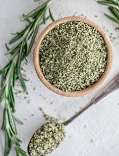 This recipe for Garlic Herb Peppercorn Dry Brine is full of flavor and will make your turkey shine on Thanksgiving! Dry brining a turkey is really simple and produces juicy, seasoned turkey meat.