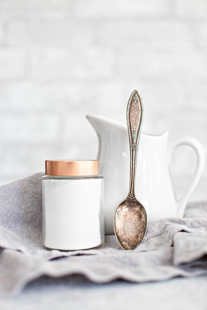 cream of tartar and spoon